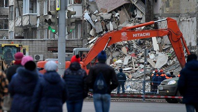 Разбор завалов частично обрушившегося жилого панельного дома по Удмуртской улице в Ижевске. 10 ноября 2017