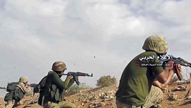 Сирийская армия ведет обстрел позиций боевиков. Архивное фото
