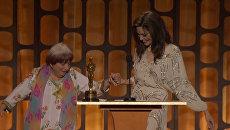 89-летняя Аньес Варда станцевала с Джоли на вручении почетного Оскара