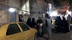 Люди на улице в Багдаде. Архивное фото