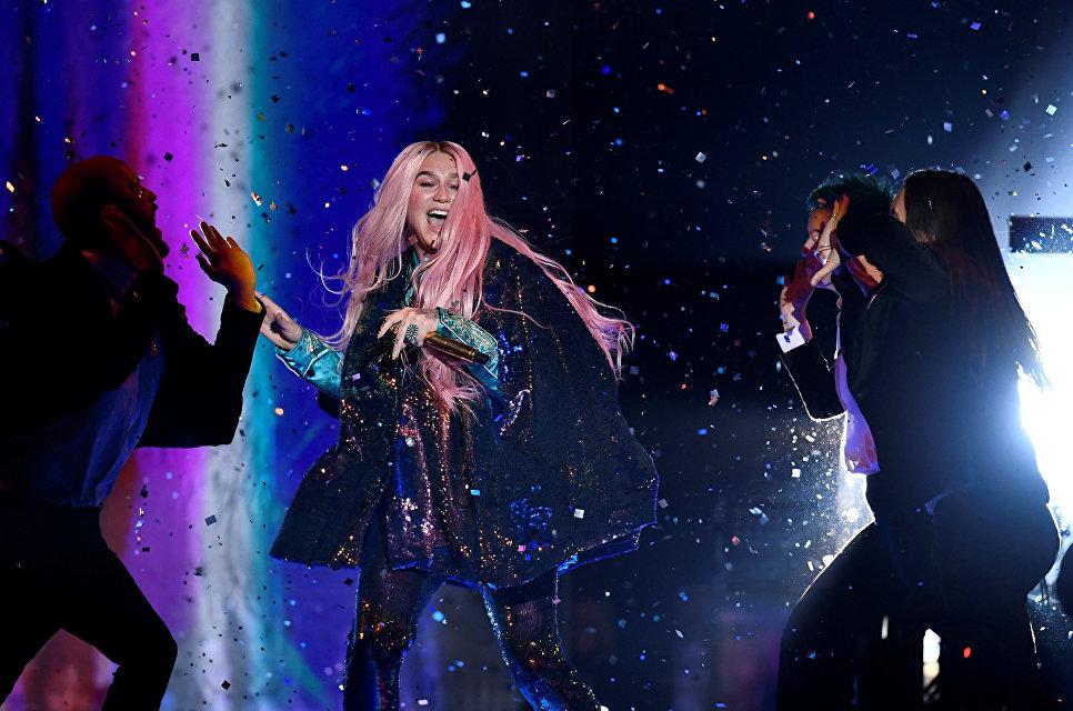 Американская певица Кеша на MTV Europe Music Awards