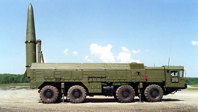 Высокоточный оперативно-тактический ракетный комплекс сухопутных войск Искандер-Э. Архивное фото