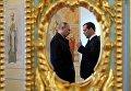 Президент РФ Владимир Путин и председатель правительства РФ Дмитрий Медведев во время посещения Воскресенского Ново-Иерусалимского мужского монастыря. 15 ноября 2017