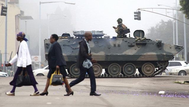 Армия Зимбабве на улице города Харара
