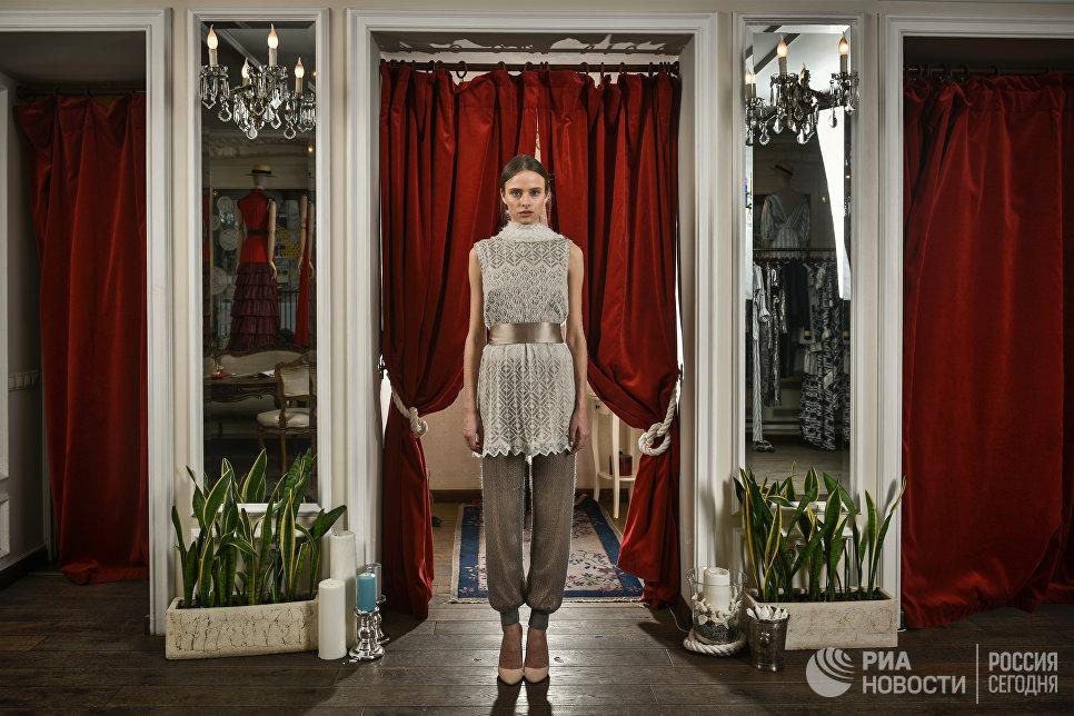 Коллекция, созданная из оренбургского платка, осень-зима 2013/2014 A LA RUSSE Anastasia Romantsova.