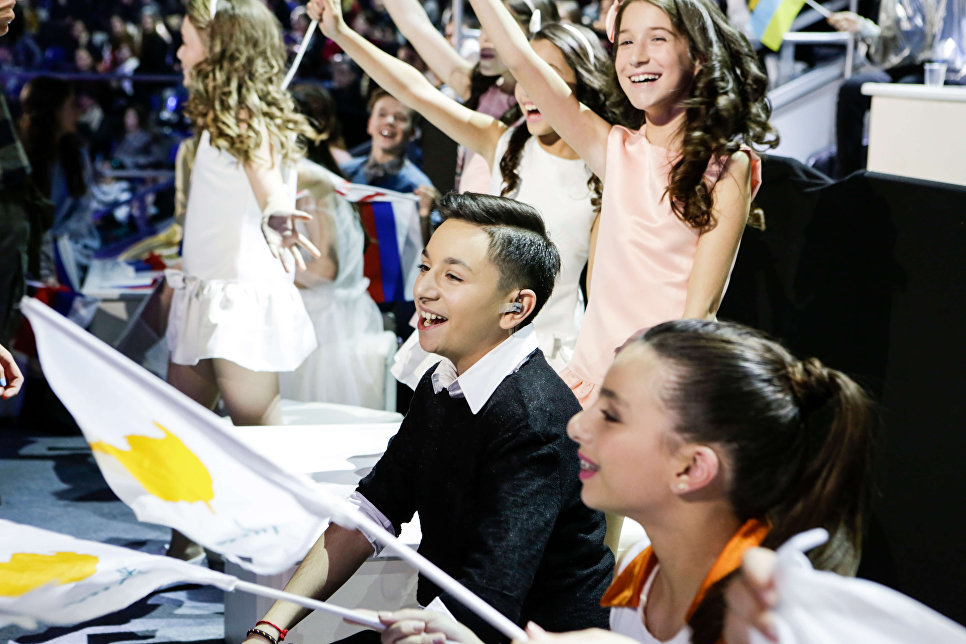 Болельщики во время финала конкурса Детское Евровидение - 2017 в Тбилиси. 26 ноября 2017