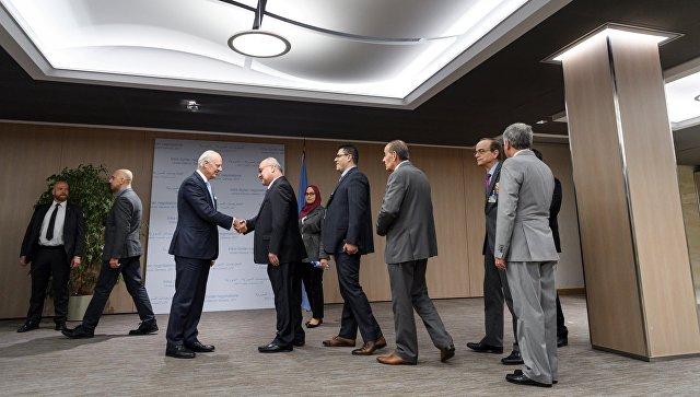 Специальный посланник ООН по Сирии Стаффан де Мистура во время встречи с представителями объединенной сирийской оппозиции в Женеве. 28 ноября 2017