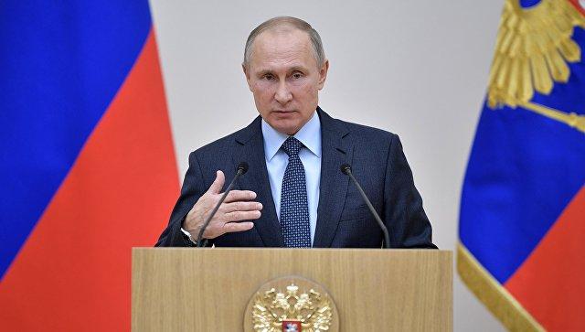 Владимир Путин выступает на церемонии вручения государственных наград сотрудникам ГК Ростех. 7 декабря 2017