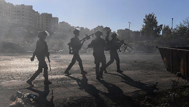 Награнице сектора Газа возобновились столкновения палестинцев сизраильскими военнослужащими