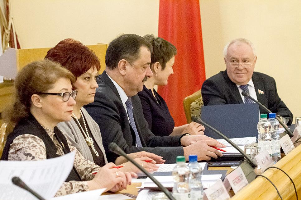 Члены Комиссии Парламентского Собрания по социальной политике, науке, культуре и гуманитарным вопросам