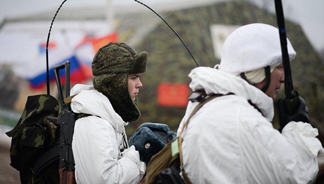 Военнослужащие на полигоне Луга в Ленинградской области. Архивное фото
