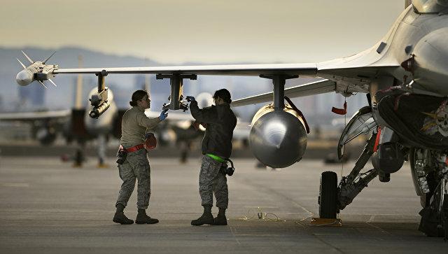 Американский истребитель F-16. Архивное фото