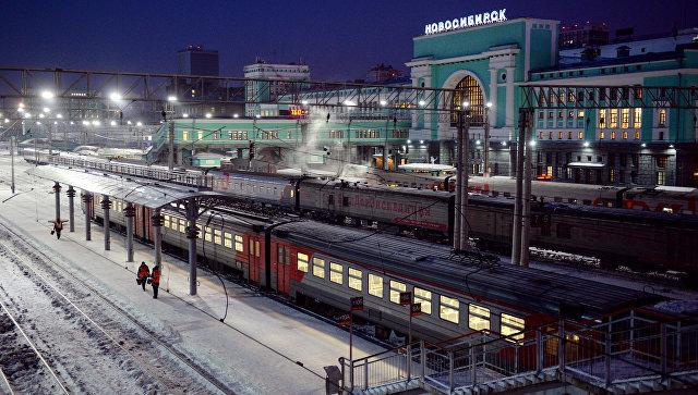 Пассажирские поезда на станции Новосибирск-Главный. Архивное фото