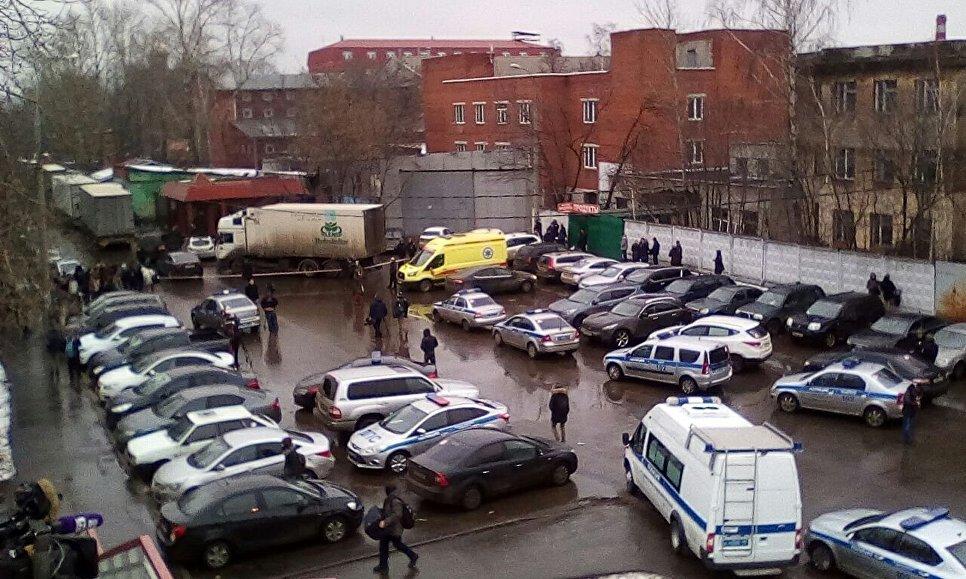 Охранник нафабрике «Меньшевик» умер в 1-ый день работы