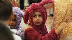 Дети на праздничном утреннике, город Комсомольск, ДНР
