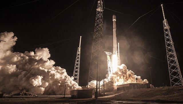 Запуск ракеты Falcon 9 на мысе Канаверал со спутником «Zuma» в США. 7 января 2018