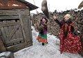 Участники клубной самодеятельности во время обряда святочного гадания в казачьем селе Кидыш