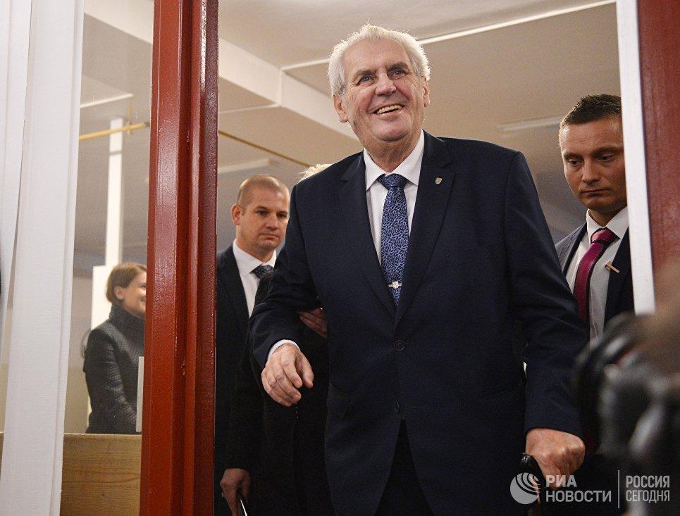 Земан победил впервом туре голосования— Выборы вЧехии