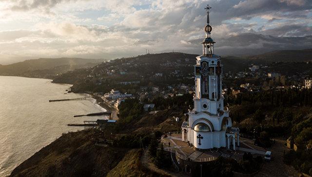 Немецкий депутат в Крыму: бизнес сам должен решать, где работать