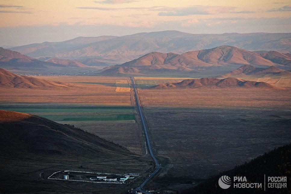 Автомобильная дорога в Республике Тыва.