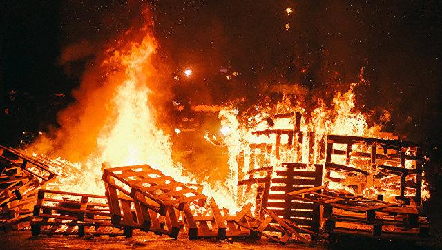 В результате протестов тюремщиков во Франции заблокирована тюрьма Фресна. 19 января 201