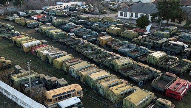 Военная техника, которая ранее входила в состав военно-морских сил Украины, в Севастополе. Архивное фото