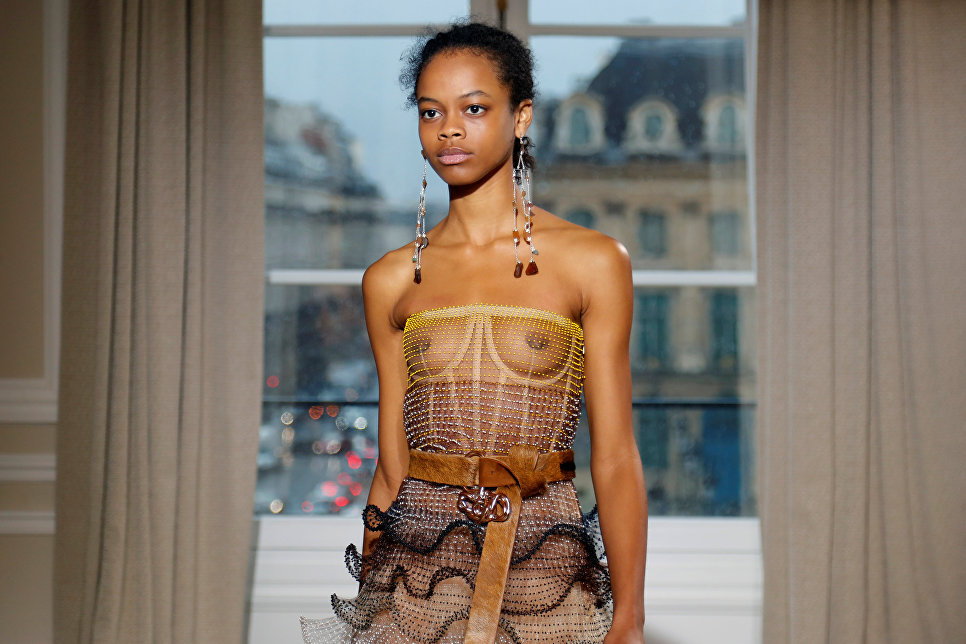 Показ коллекции Bertrand Guyon в рамках Недели высокой моды в Париже