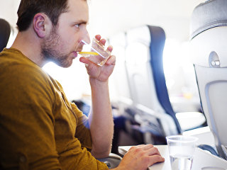 Пассажир на борту самолета