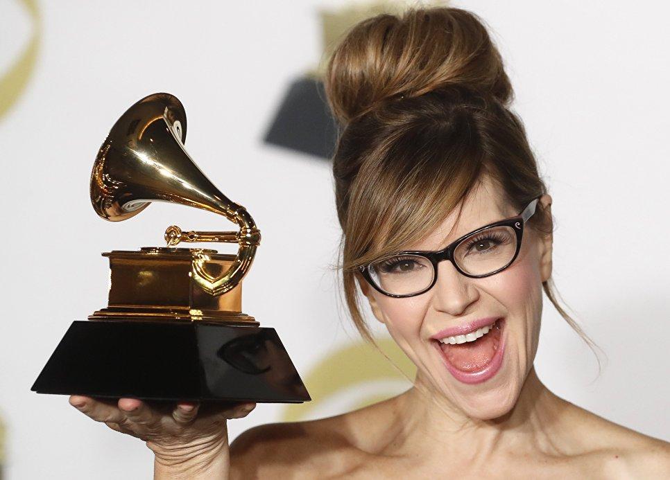 Американская певица Лиза Лоб на 60-й церемонии Грэмми