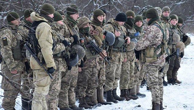 Участники операции в Донбассе вернули Порошенко медали