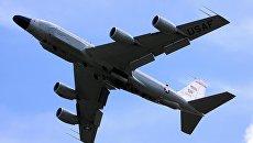 Американский самолет Boeing RC-135. Архивное фото