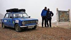 Таджикистан, Памирский тракт, перевал Акбайтал, высота 4655 метров