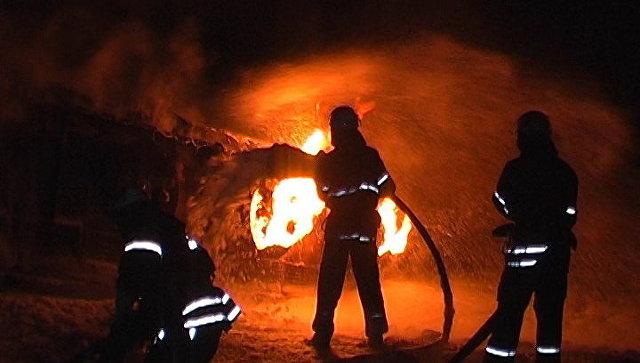 тушит фото мчс пожар