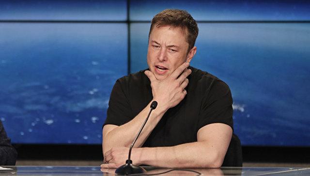 Илон Маск вшутку объявил обанкротстве компании Tesla