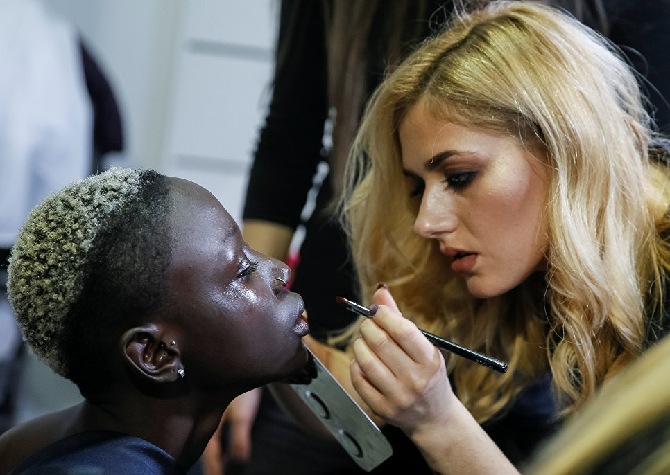 Подготовка к показу на Неделе моды в Киеве
