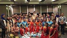 Группа школьников из Якутии на фестивале в Таиланде.