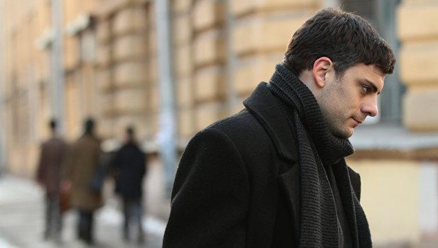 Netflix приобрел права напоказ русского фильма «Довлатов»— THR