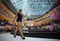 Участница открытого кастинга национального конкурса Мисс Россия в торговом центре Афимолл Сити в Москве