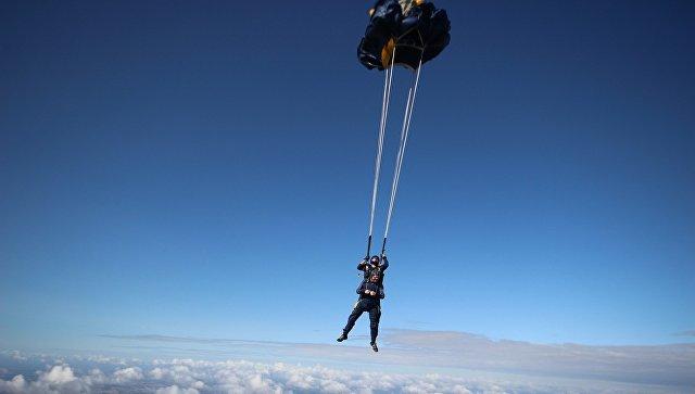На Сахалине подросток разбился при прыжке с парашютом