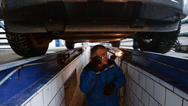 Технический осмотр автомобилей. Архивное фото
