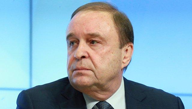 Сенатор Богданов уступает Михайлову место в Совете Федерации