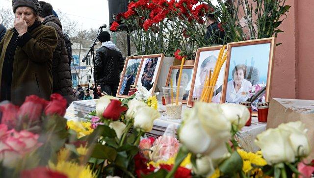 Погибшие в день прощения: в Кизляре похоронили жертв нападения у церкви