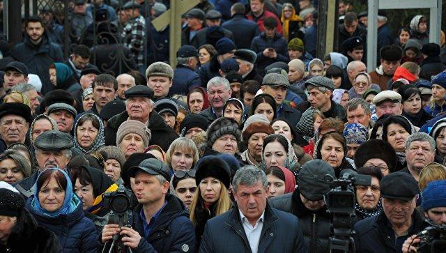 Прощание с погибшими при стрельбе у Свято-Георгиевского храма в Кизляре. 20 февраля 2018