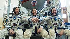 Космонавт Роскосмоса Олег Артемьев, астронавты НАСА Эндрю Фойстел и Ричард Арнольд. Архивное фото
