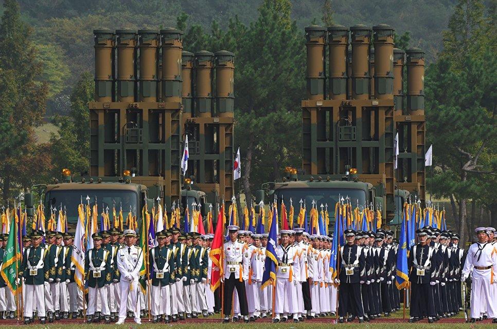 Почетный караул на демонстрации в честь Дня Вооруженных сил Южной Корее
