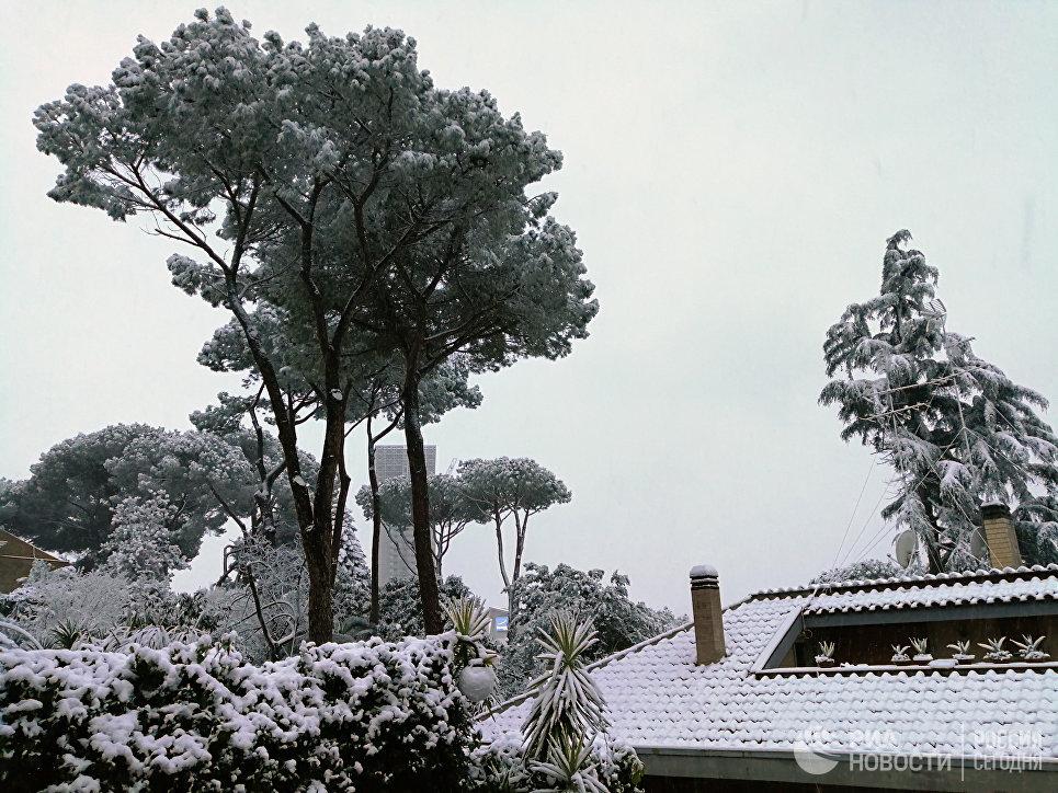 Школы идетсады Рима закроют из-за «сибирских» снегопадов