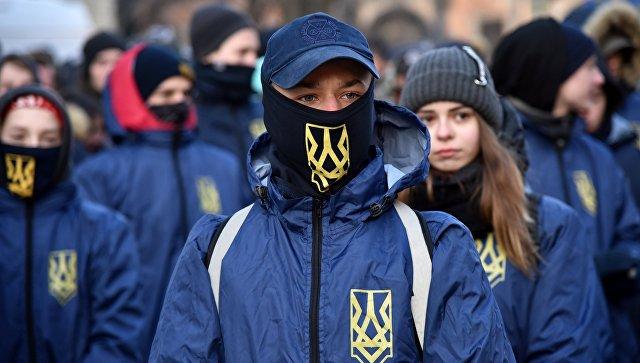 Активисты праворадикальных организаций на Украине. Архивное фото