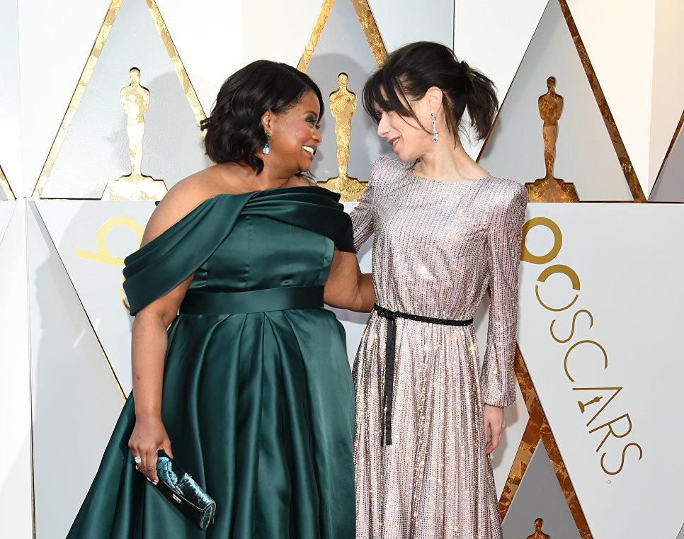 Актрисы Салли Хокинс и Октавия Спенсер перед церемонией вручения премии Оскар-2018