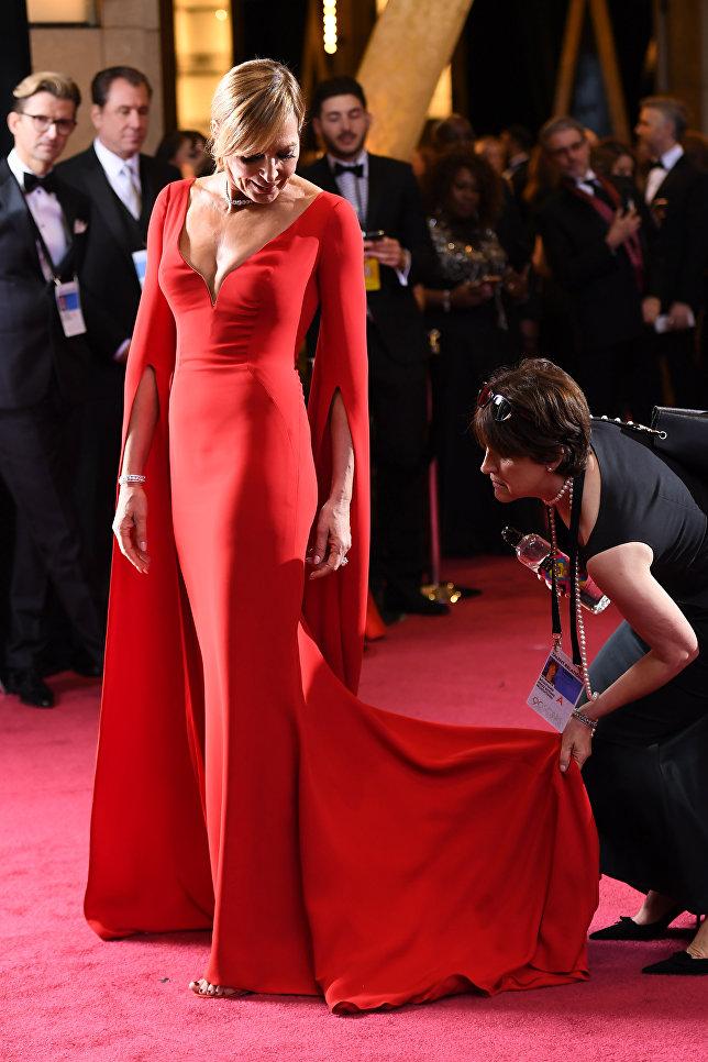Актриса Эллисон Дженни перед церемонией вручения премии Оскар-2018