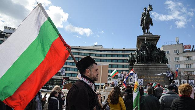 Участники мероприятий, посвящённых празднованию 140-летия освобождения Болгарии от османского ига в ходе Русско-турецкой войны в Софии